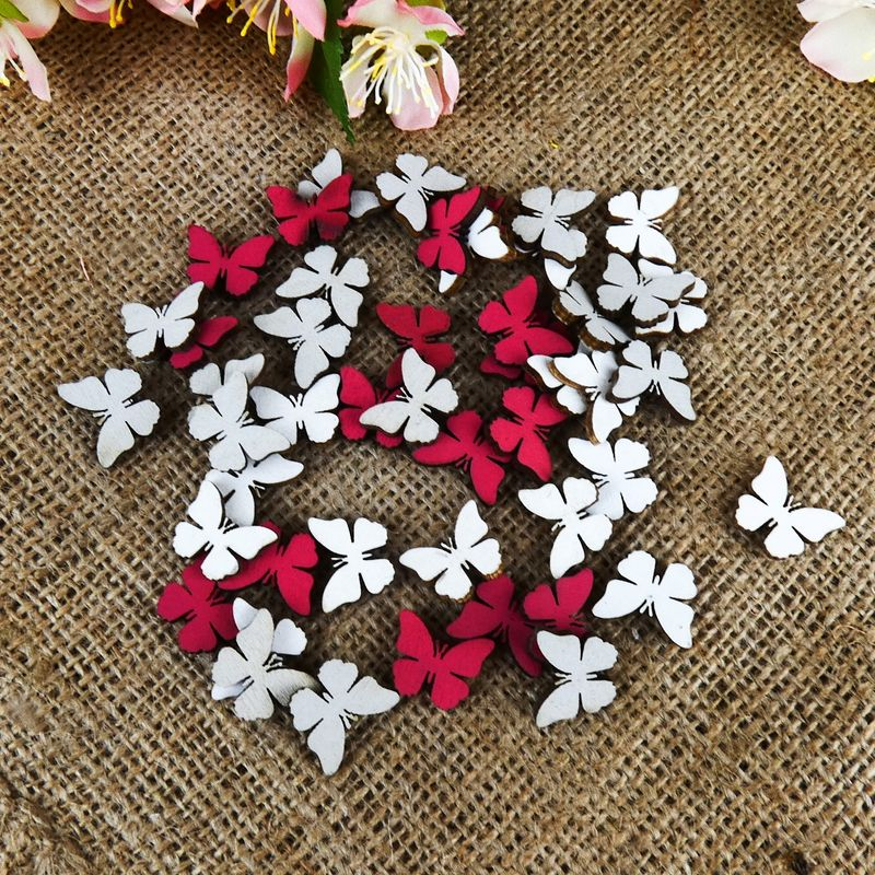 3ea7b90688b1 Dřevění motýlci v bílé